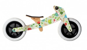 Giveaway at NPN: Wishbone Apple-A-Day Balance Bike ARV $249